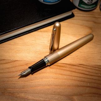 Pilot Metropolitan Fountain Pen – Gold Zig-Zag