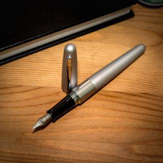 Pilot Metropolitan Fountain Pen – Silver Dots