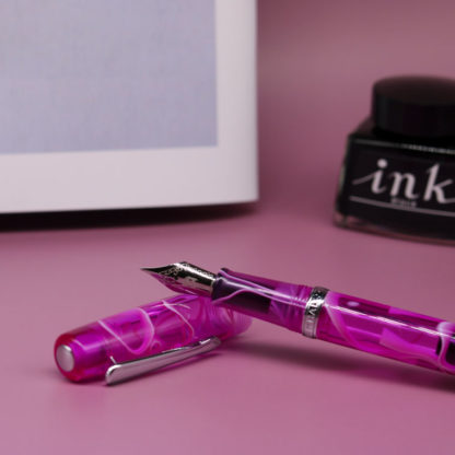 Narwhal Hippocampus Purple Fountain Pen
