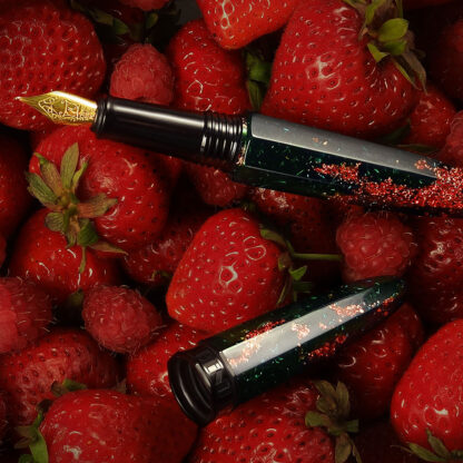 Benu Minima Fountain Pen – Berry Field